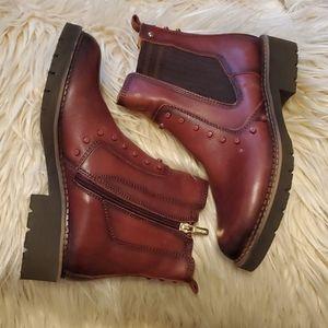 Burgundy Pikolinos boots